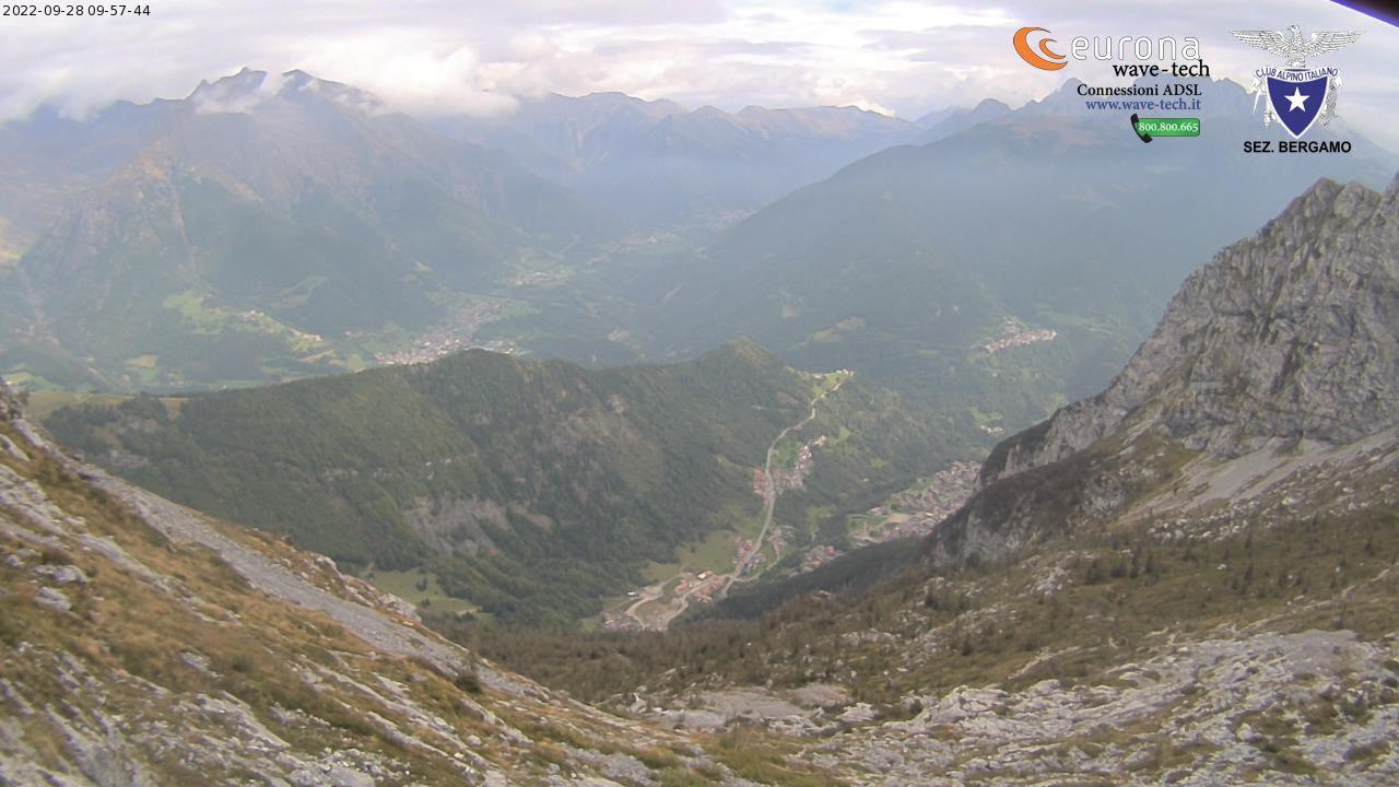 Vista dal Rifugio Albani verso valle